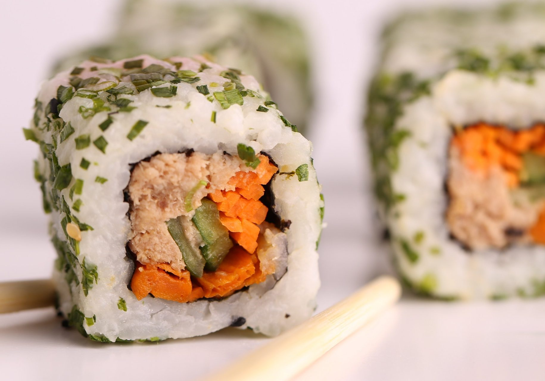 sushi-on-plate-327172